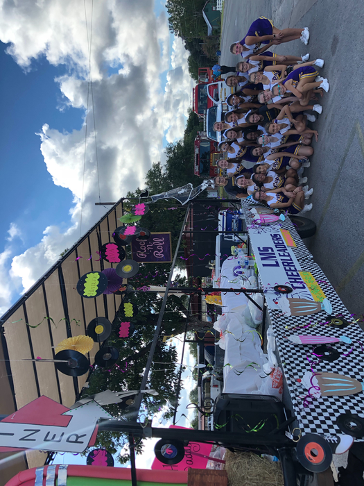 2018-2019 LMS cheerleaders at the Fayette County Fair Parade!