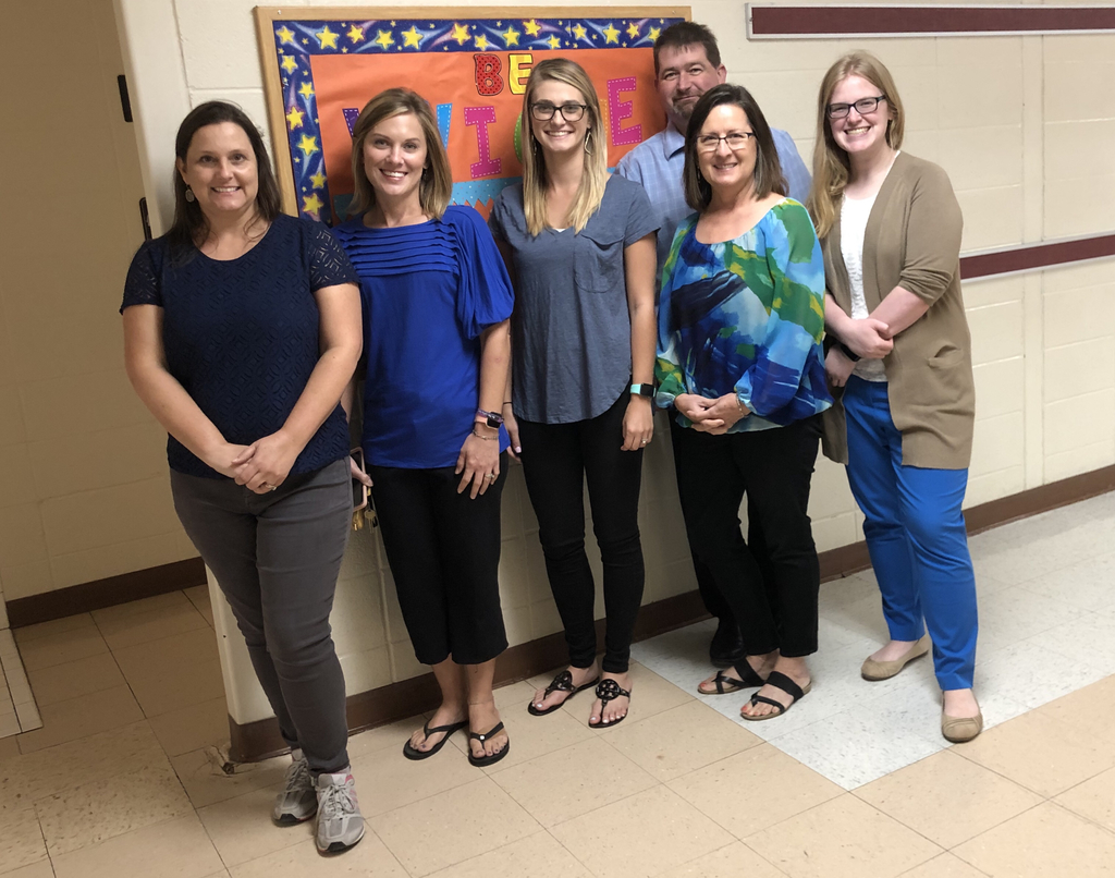 6th Grade Team showing their blue - 100%!