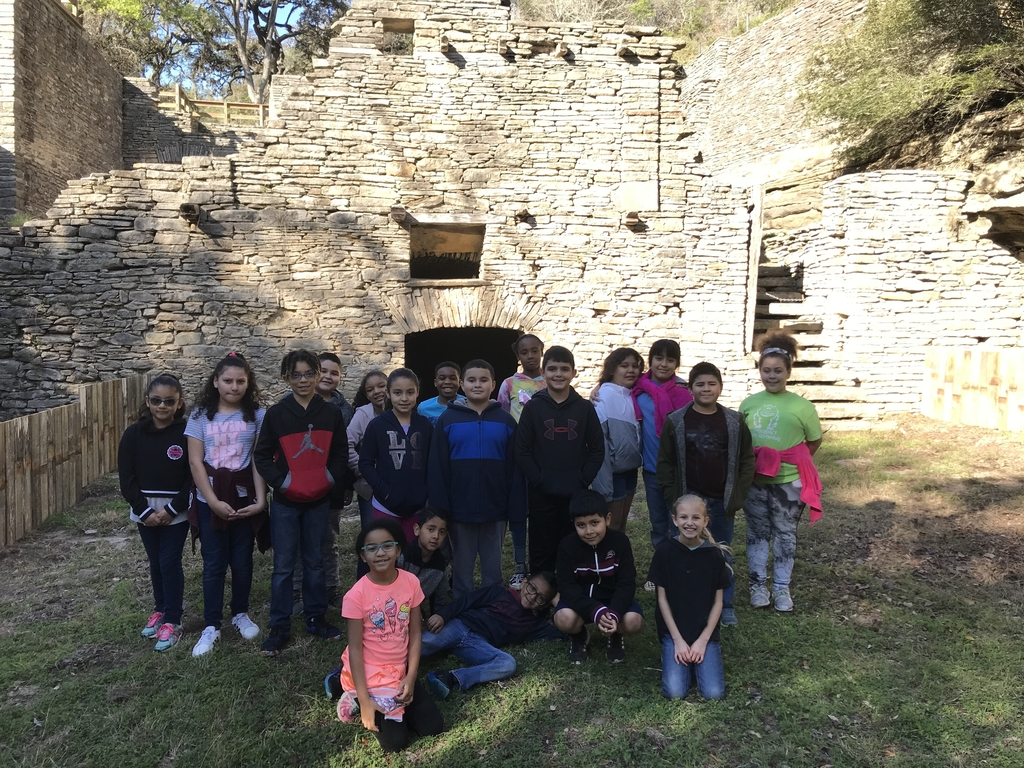 3rd graders learning some Texas history...